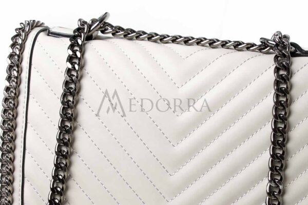 grey bag with chain 3