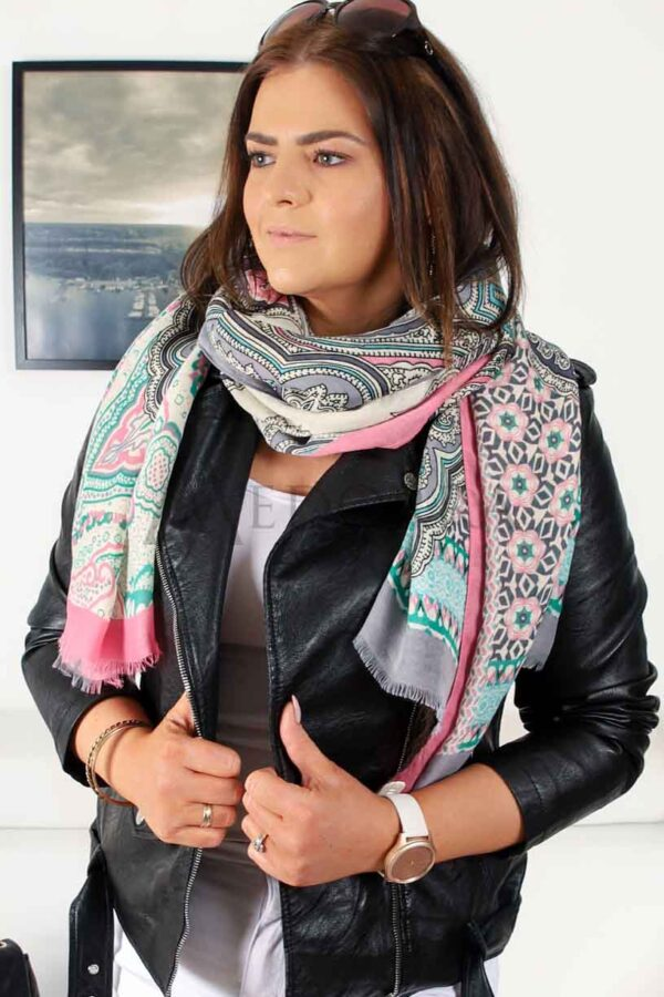 pink scarf 1